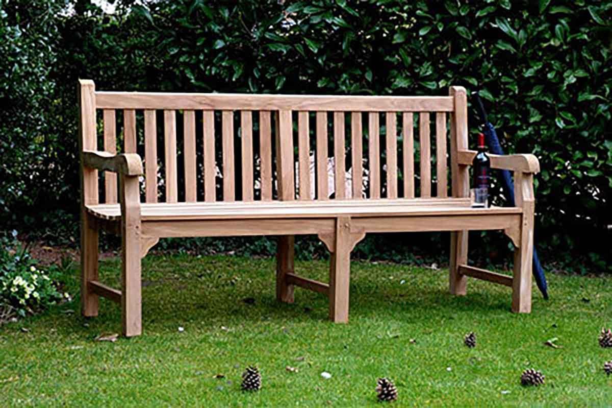 How To Maintain A Memorial Bench Through Winter Garden Benches Blog