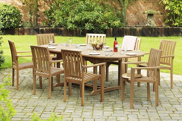 Oval Eight Seater Extending Patio Dining Set
